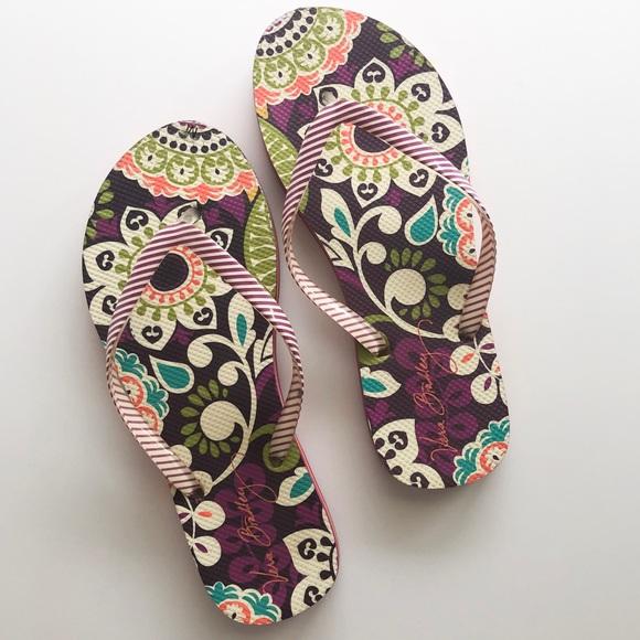 Vera Bradley Shoes - Vera Bradley Purple Print Flip Flops • Size 7-8